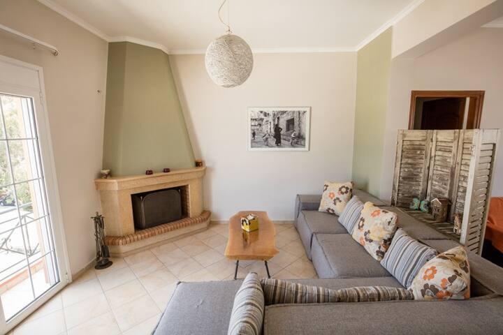 Ένα ήρεμο σπίτι με ανέσεις και υπέροχη θέα - Likovrisi - Apartment