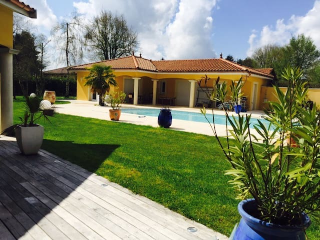 Maison indépendante de 60m2 calme - Attignat  - Vila