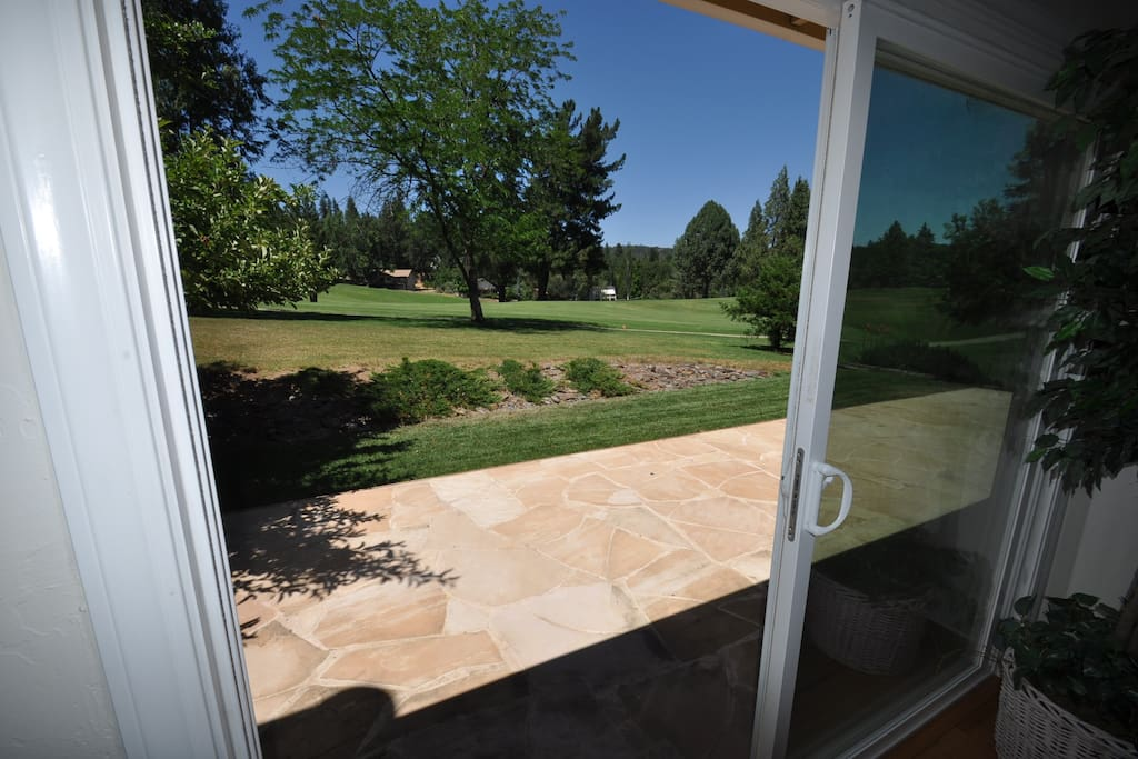 Creme de la Creme #2. Pet Friendly, Golf Course View Pine Mountain Lake Vacation Rental. Just 25 miles from the entrance to Yosemite, Hwy 120 corridor. Unit 1 Lot 89
