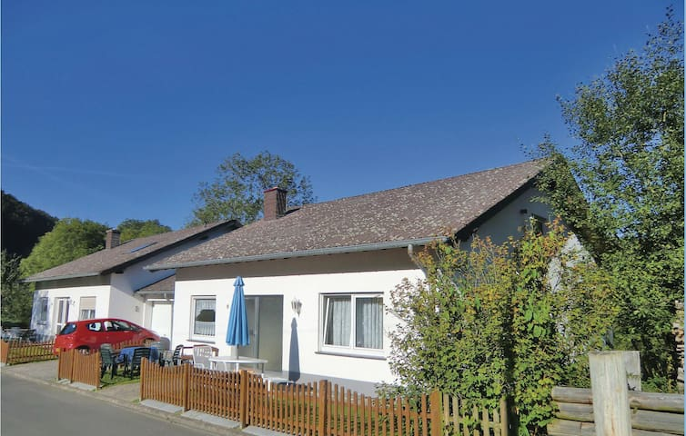 Semi-Detached with 2 bedrooms on 95m² in Lützkampen
