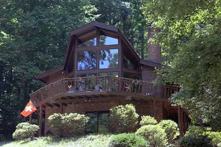 Beautiful Cabin in the Woods