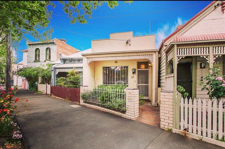 Victorian Terrace Home located 1km from cbd