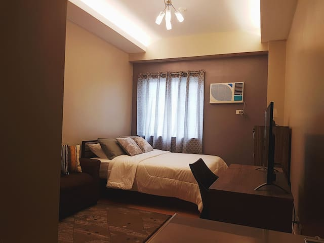 Brandnew condo perfect for family, couples, travellers