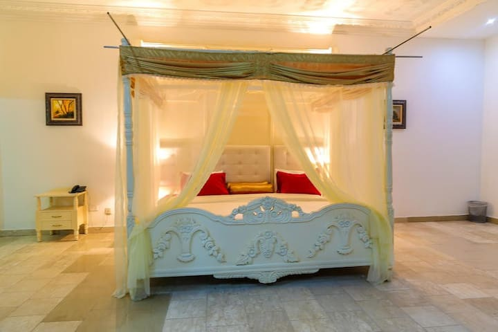 Casalinda Hotel-Honeymoon Suite
