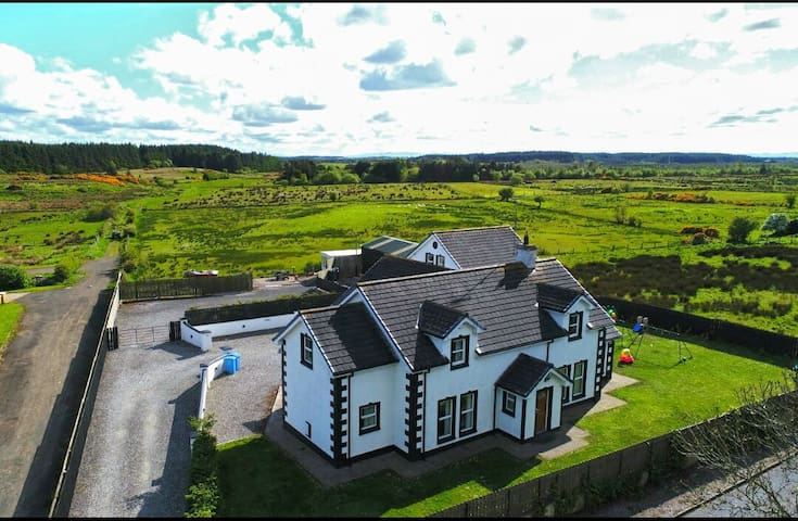 Large 7 bedroom house in Ballycastle