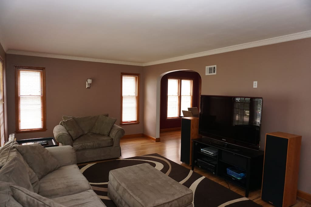 Charming Wauwatosa Home Near Miller Park Village Apartments For Rent In Wauwatosa Wisconsin