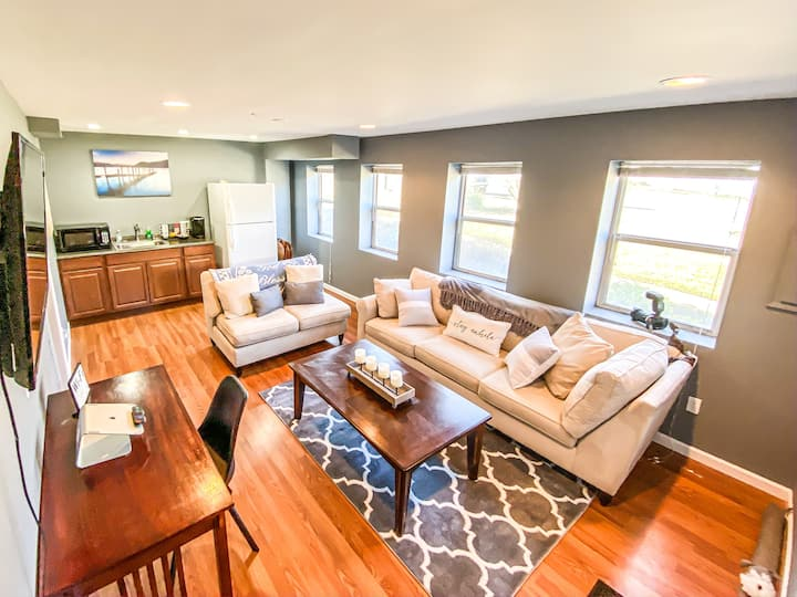 Private Entrance | Minutes from IAD, Metro, & DC