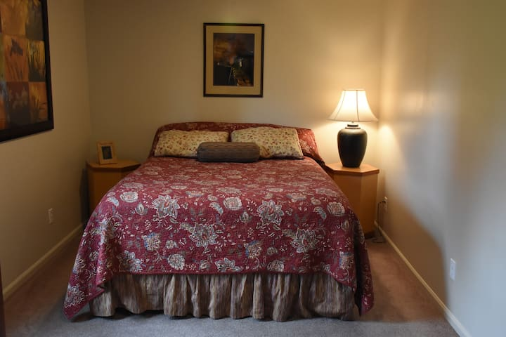 Luxuriously comfortable queen size bed you dream about when you return home!
