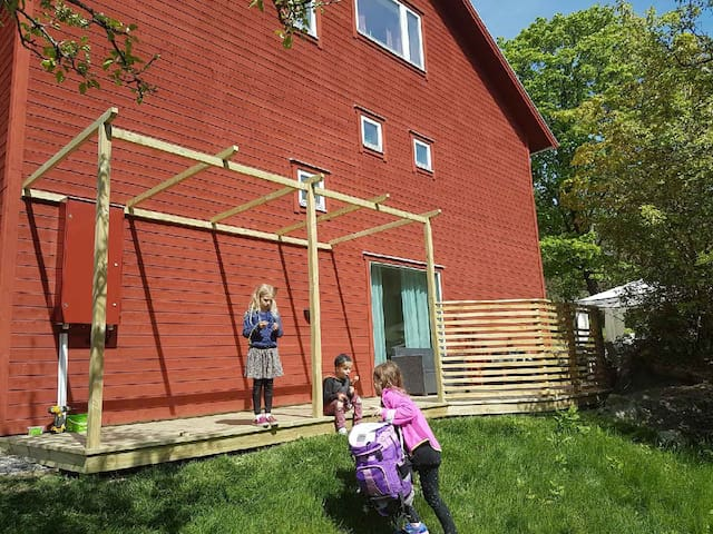 Mysigt boende i Gustavsberg för par eller familj - Gustavsberg - Townhouse