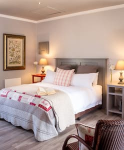 Highland Quarters Luxury Accommodation B&B - Clarens - Pousada