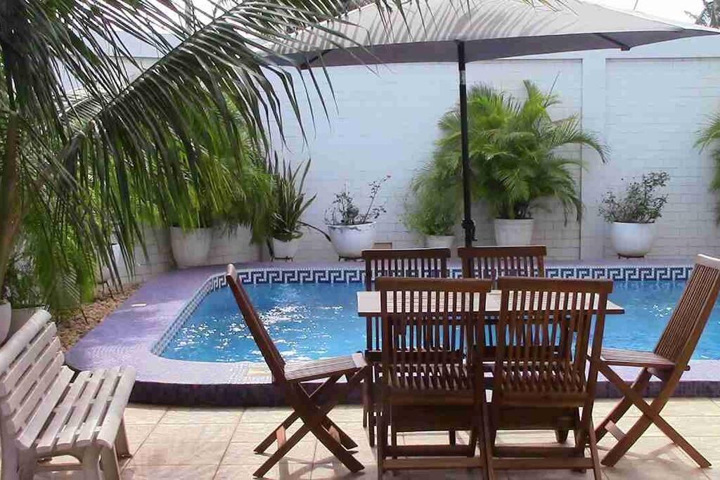 Repas au bord de la piscine si vous le souhaitez