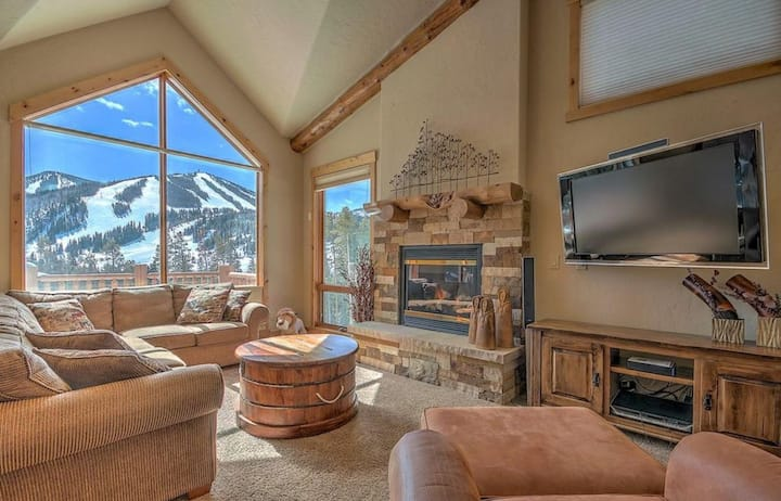 Antler- World class ski lodge with a stunning view