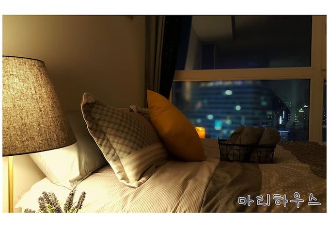 서면역 도보2분! SEOMYEON Beautiful CityView★Marie House★ - Busanjin-gu - Apartamento