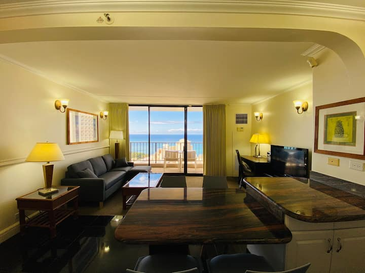 Breathtaking Oceanview unit above Waikiki Skyline!