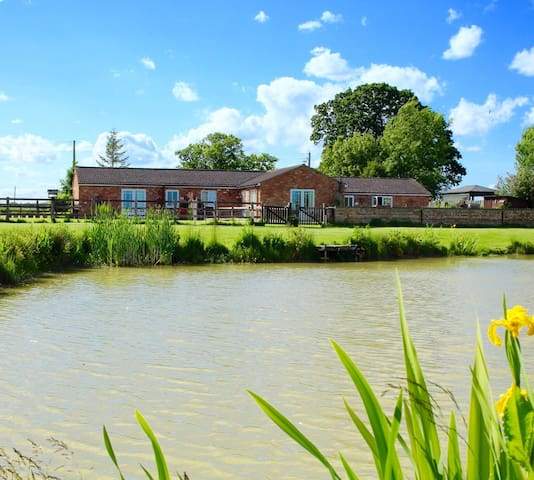Country Cottages with fishing & beautiful views - Burgh le marsh. Lincolnshire - Talo
