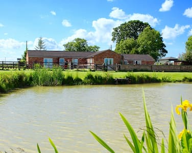 Country Cottages with fishing & beautiful views - Burgh le marsh. Lincolnshire - Maison
