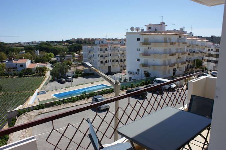 Apartament close olhos de agua beach