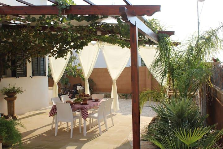 Villa La Maison de Lucie 4/6 p.l zona T.S Giovanni