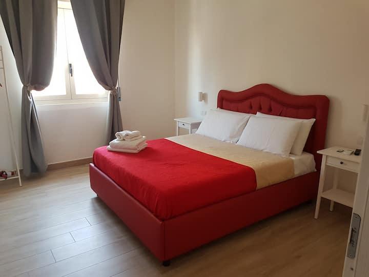 B&B Pompeii Rooms (white room)