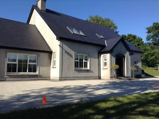 Beautiful Riverside House - Letterkenny - House