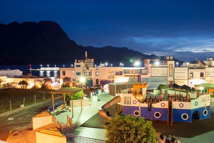 Apartamento con Vistas al Mar y a las Montañas - Puerto de las Nieves - Appartement