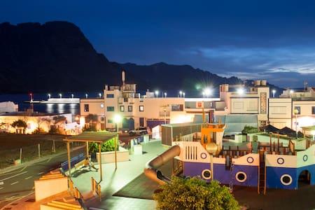 Apartamento con Vistas al Mar y a las Montañas - Puerto de las Nieves