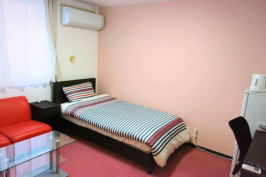 1×Single Bed, TV, Desk, Chair, Fridge, Electric Kettle, Room Closet, Bath/Shower Room Type-4