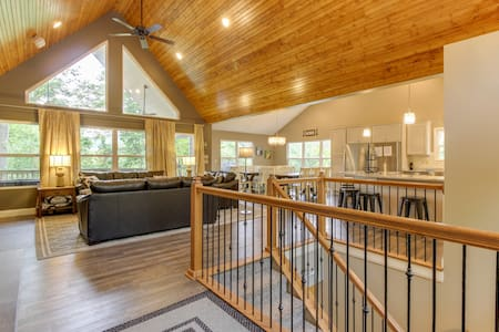 COMFORT LIFE  6bed/6bath private dock Spectacular!