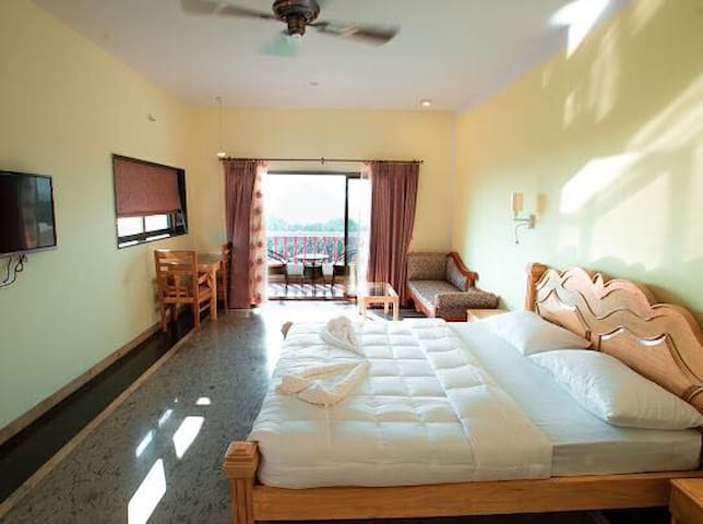 Junior Seaview suite near Ashvem beach