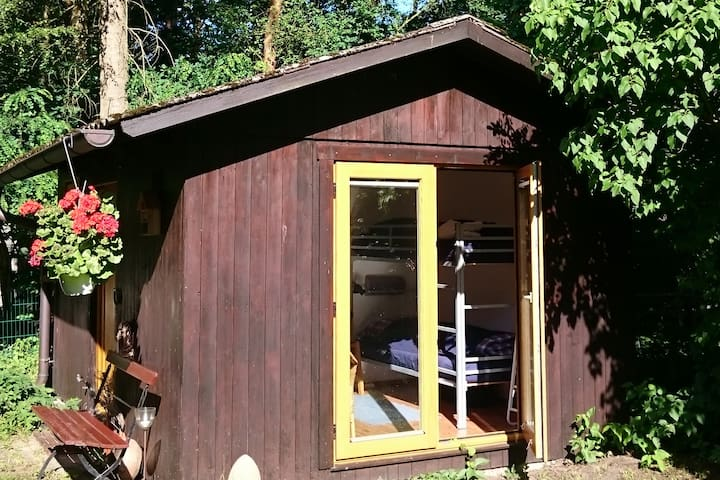 Kleines Holzhaus südlich Hamburg