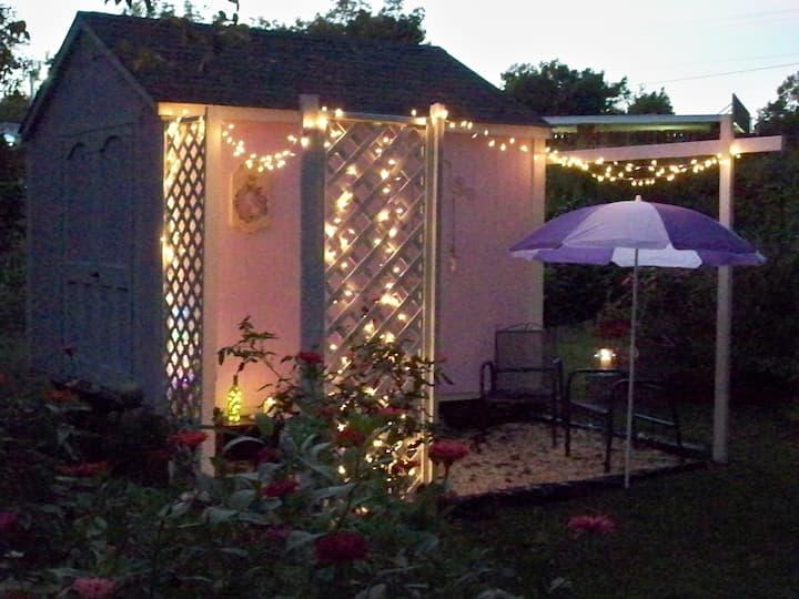 Charlie's Place- A Tiny house/Writer's Retreat