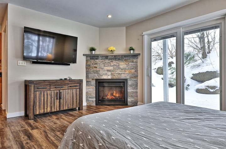 Stay in The Sunny Days Suite at Killington! 3RM/3BA new condo sleeps 10! 131/2