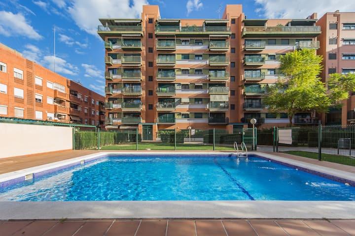 Ático con terraza y piscina