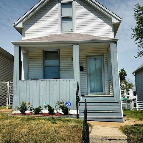 Cozy 1 Bedroom South City Bungalow - St. Louis - Hus