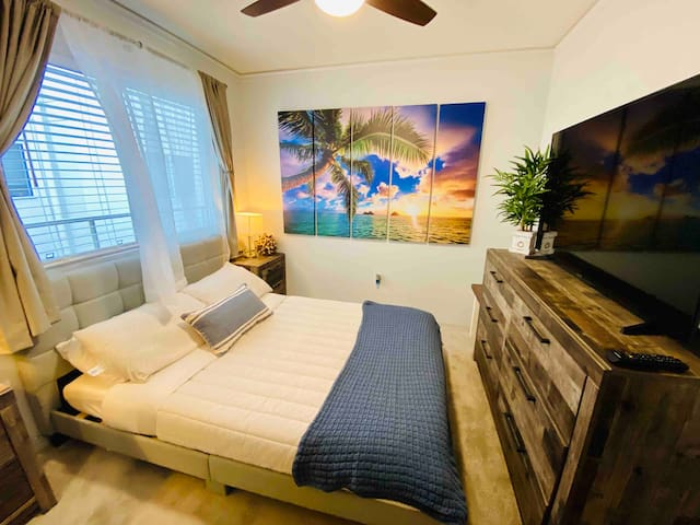Private Cozy Room (only) in the heart of Kailua