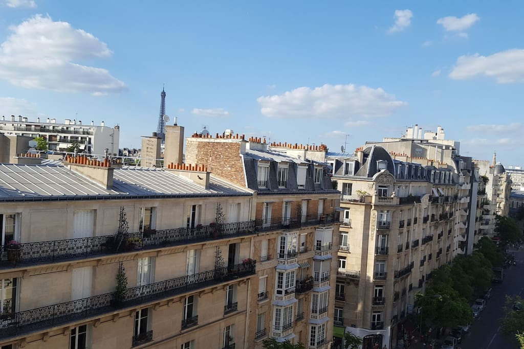 Cosy Studio Parisian Style With Eiffel Tower View Apartments For Rent In Paris 206 Le De France