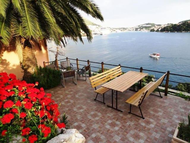Dubrovnik Seafront Villa - Lozica - Villa