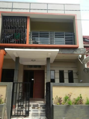 Cheap 2 storey terrace house... - Kepulauan Riau, ID