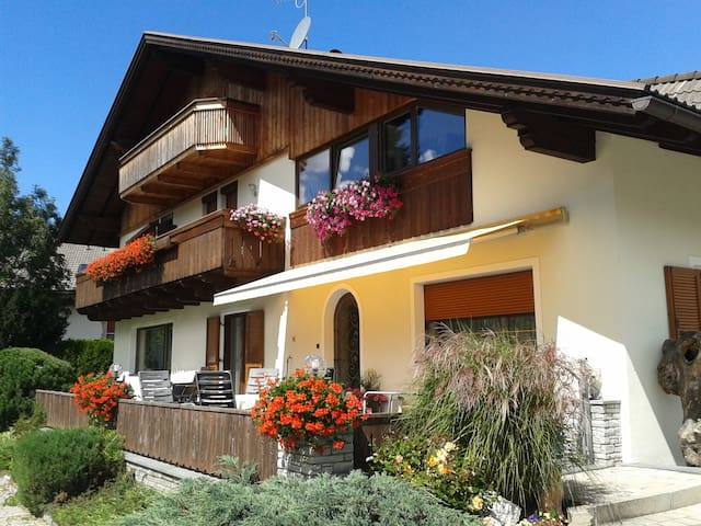 Bed and Breakfast in Olang - Valdaora di Mezzo - Aamiaismajoitus