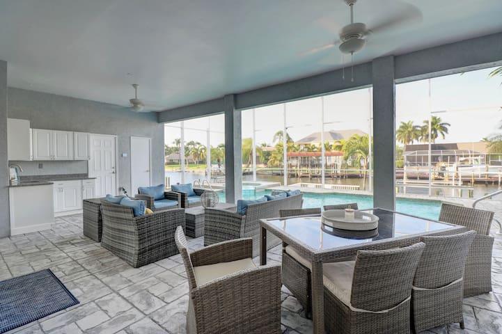 Luxury Waterfront Direct Gulf Access