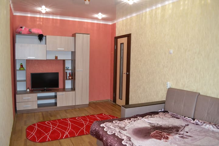 м-н Макаренко, дом 14. 1-комнатная квартира - Staryy Oskol