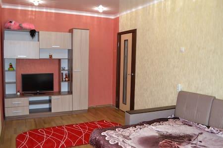 м-н Макаренко, дом 14. 1-комнатная квартира - Staryy Oskol - Leilighet
