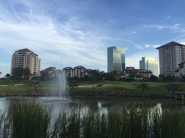 Golfers' Duplex Penthouse (C) - PutraJaya  - Apartamento