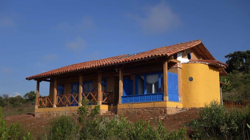 """Casa Rural  """"El Shaddai""""  Tierra de Luz y Paz"""