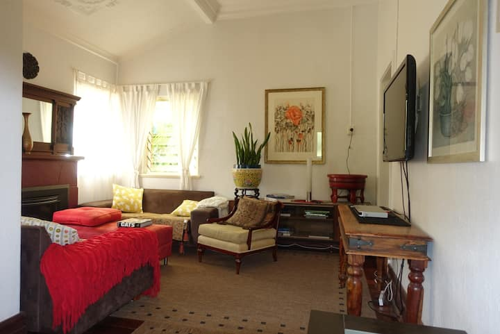 Perth City 4 Bedroom Federation Home WIFI/Parking