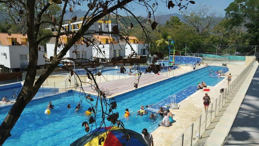 Hermoso Apto Santafe de Antioquia - Santafé de Antioquia - Apartamento