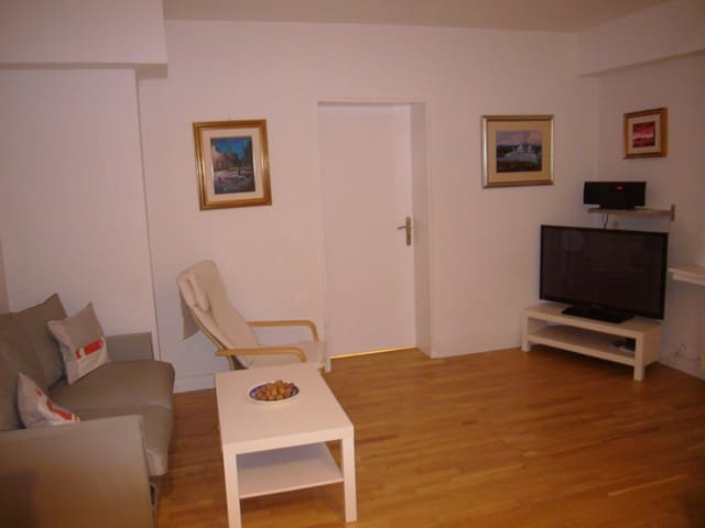 Cosy apartment with a garden-terrace, 1 parking ,