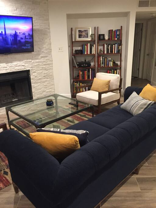 Feel free to borrow any books during your stay. Perfect for reading and relaxing at Barton Springs just steps from the front door.