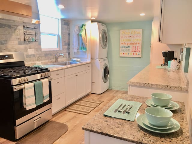 Adorable & New In-Law Home - Excellent Location!