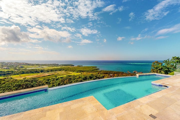 Upscale house with mountain, ocean, & golf views, and infinity pool!